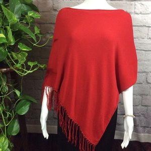 SET Red fringe silk blend knit poncho w/ bracelet